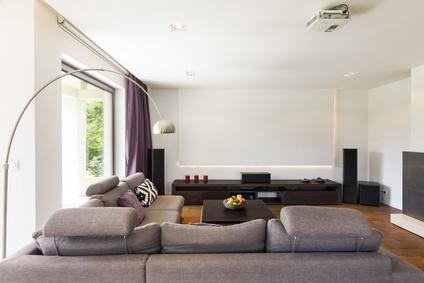 Heimkino Im Wohnzimmer Mit 3D Beamer